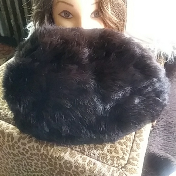 Rabbit fur hand muffler
